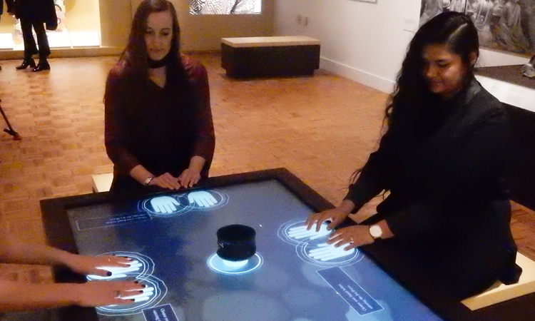 Interactive tea table, the most popular attraction in Japan Gallery