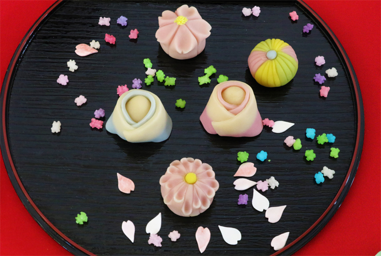 "Japanese Sweet ""Nerikiri"" Master, Ms. Sugii, demonstrated beautiful spring colored confection"